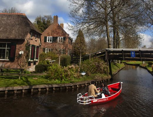 5 canal villages in The Netherlands, Giethoorn The Netherlands | Your Dutch Guide