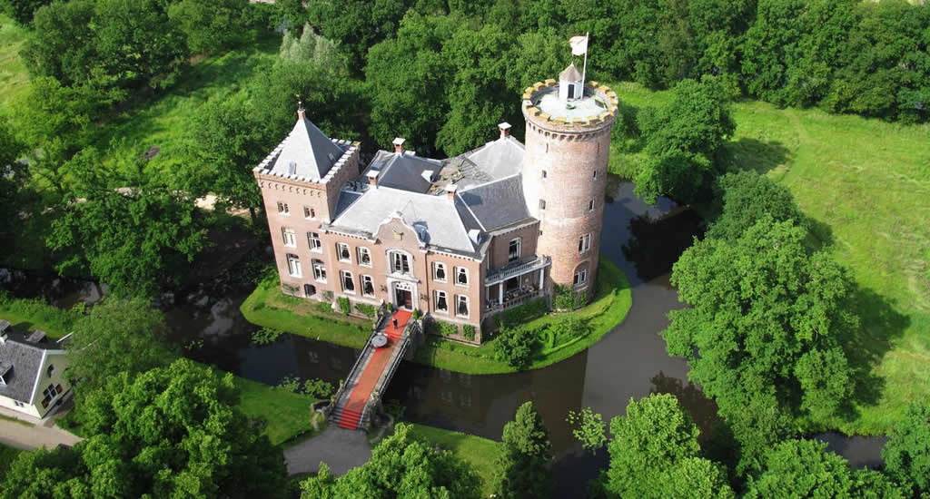 Sleeping in a Dutch castle, Kasteel Sterkenburg | Your Dutch Guide