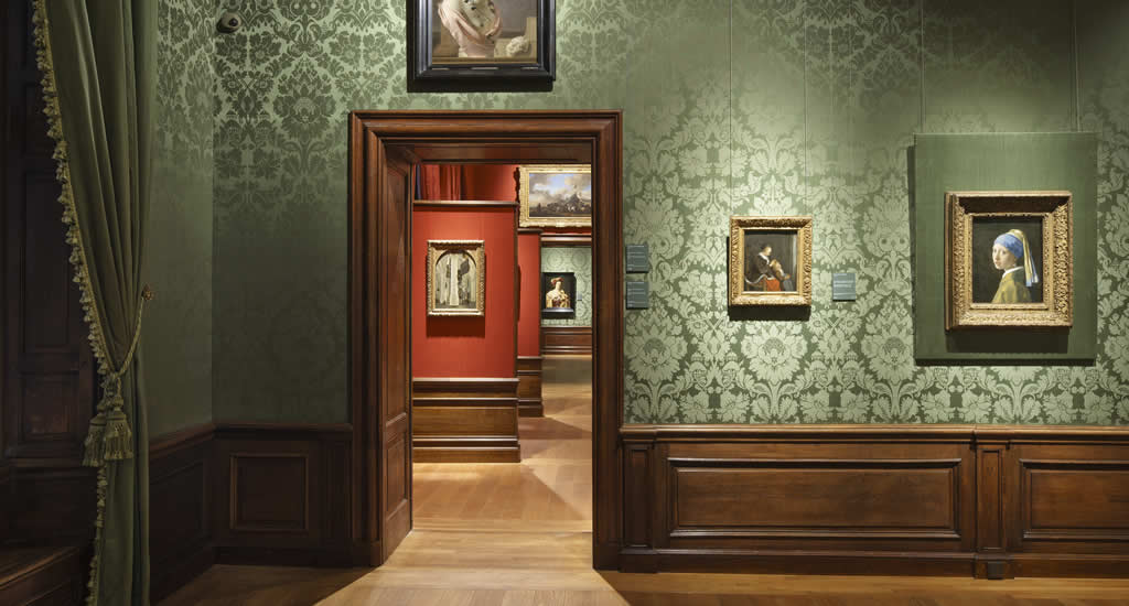 What to do in The Hague? Mauritshuis | Your Dutch Guide