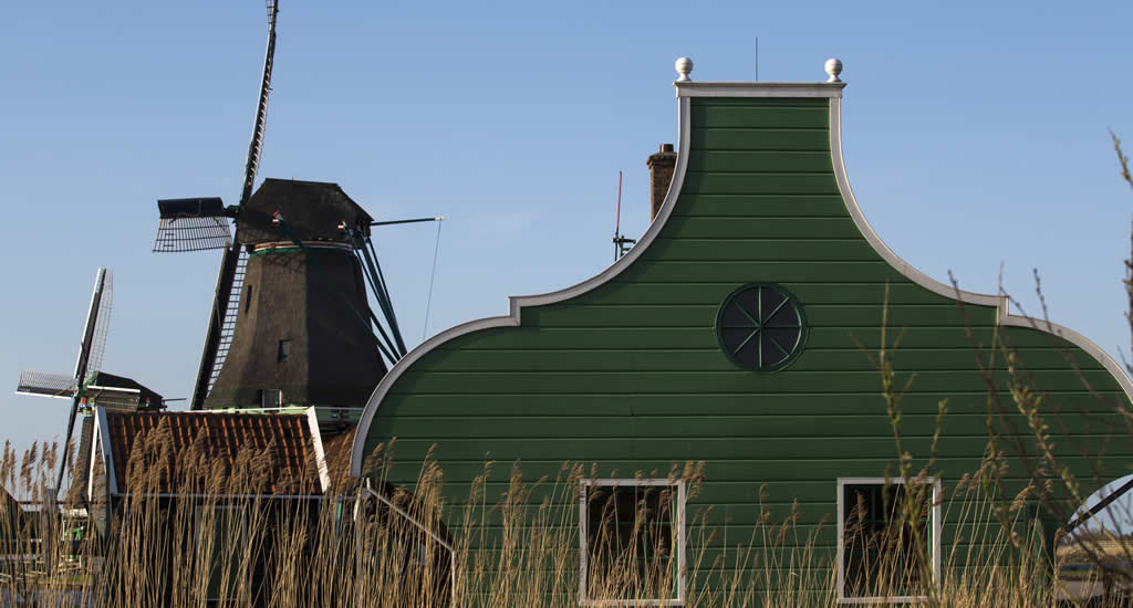 Zaanse Schans (windmills Amsterdam), photo by Cris Toala Olivares | Your Dutch Guide